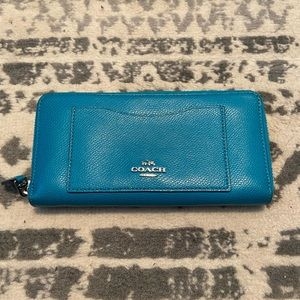Coach wallet turquoise